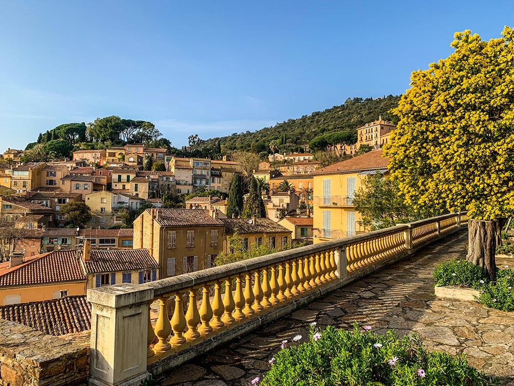 Blick auf die Altstadt von Bormes-les-Mimosas © Siegbert Mattheis