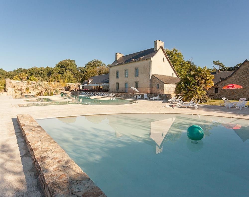 Camping in der Orangerie de Lanniron mit Pool