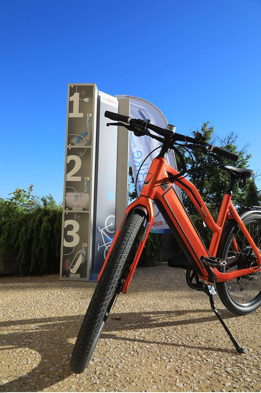 Radfahren Provence: Ladestation für E-Bike