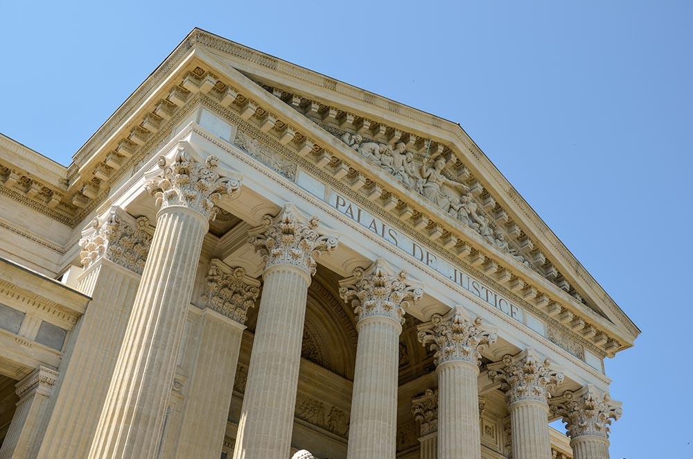 Palais de Justice, 1848 im neoklassizistischen Stil erbaut