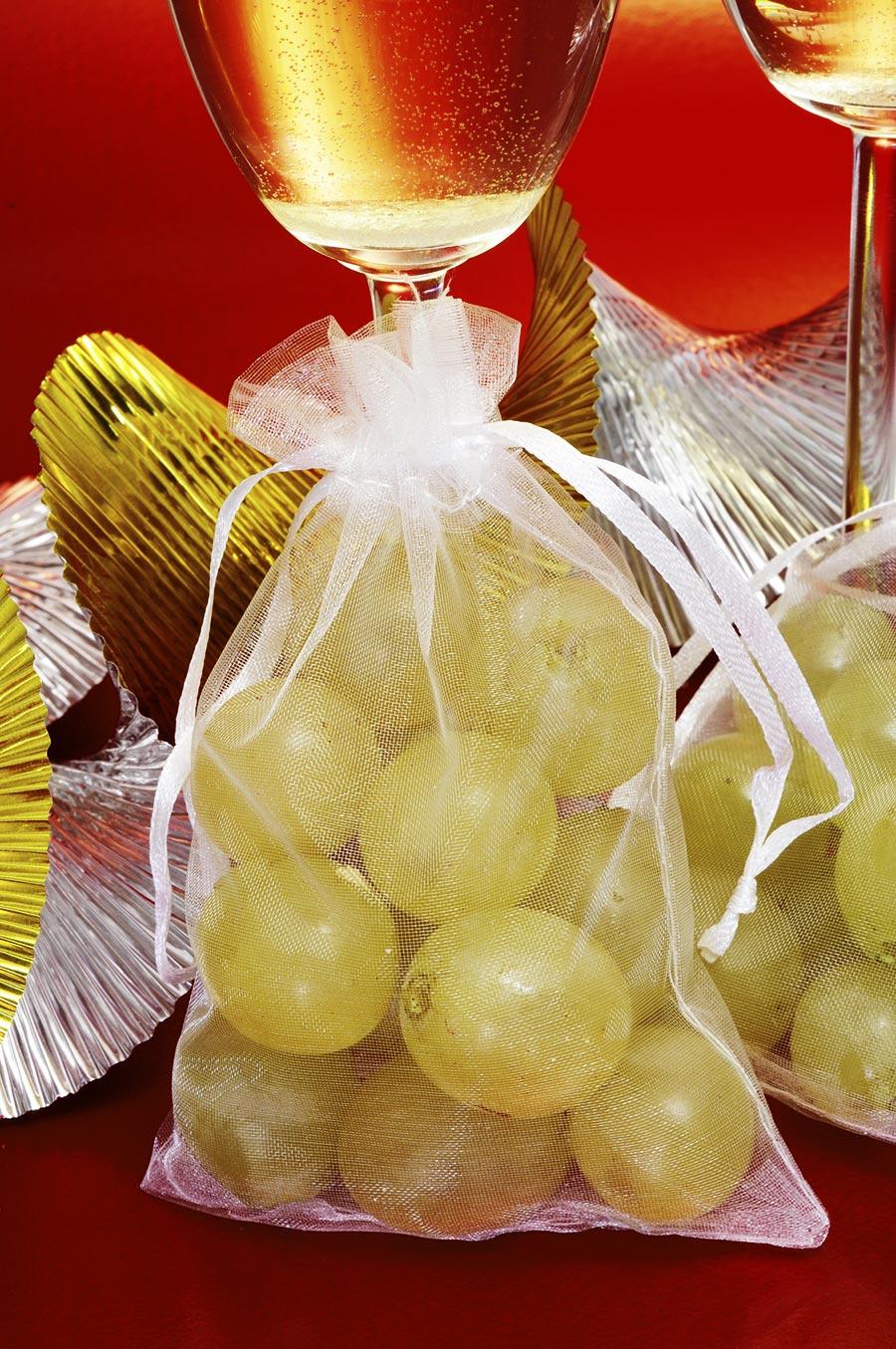 Säckchen mit 12 weißen Weintrauben