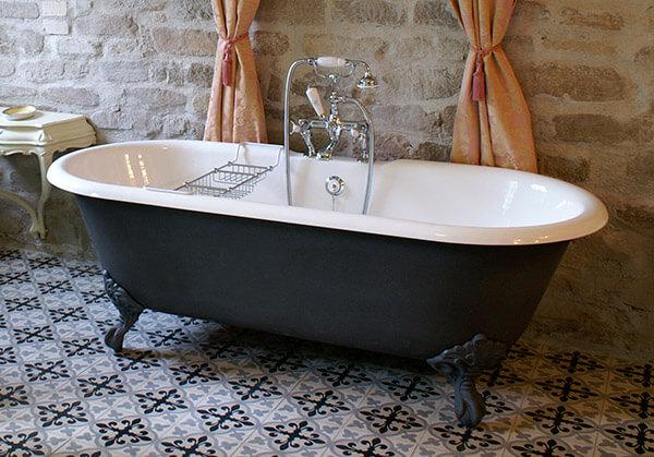 Freistehende badewanne ambiente mediterran - Nostalgie fliesen ...