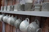 Tassen im Landhauslook, Vintage, Retro